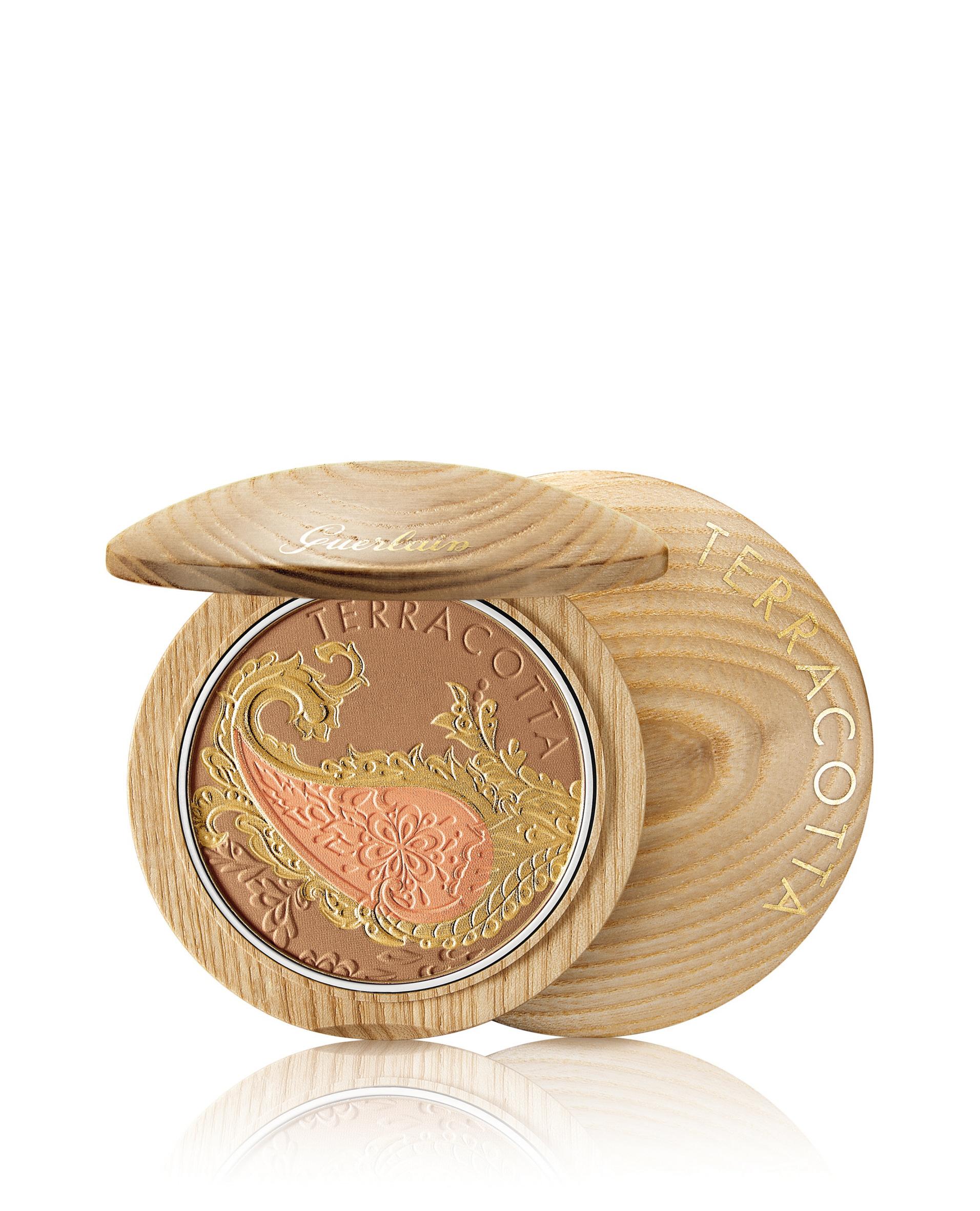 Terracotta Route Des Indes Tan Enhanzing Bronzer and Blush