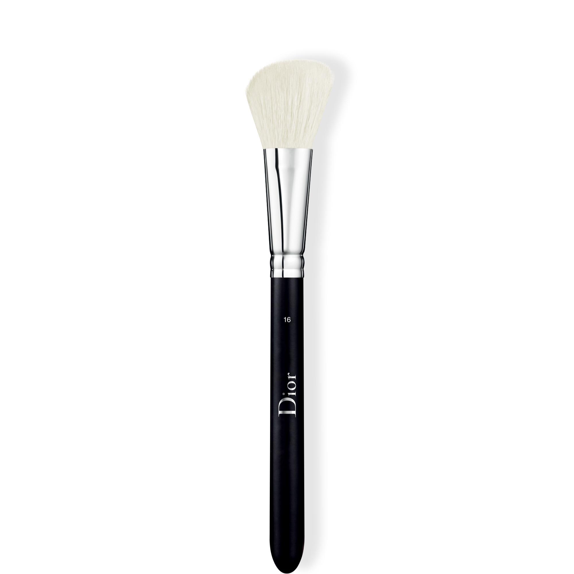 Blush Brush N°16