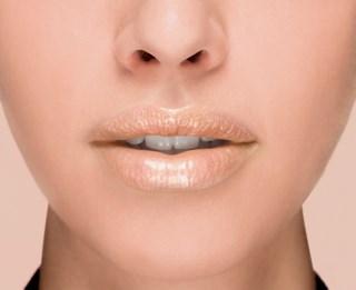 Color Riche Plump'n Glow Lipstick 103 Litchi Plump