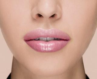 Color Riche Plump'n Glow Lipstick 104 Guava Plump