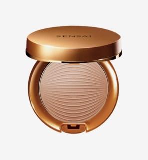 Silky Bronze Sun Protective Compact SPF 30 01Light