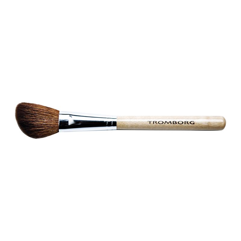 Blush Deluxe Brush
