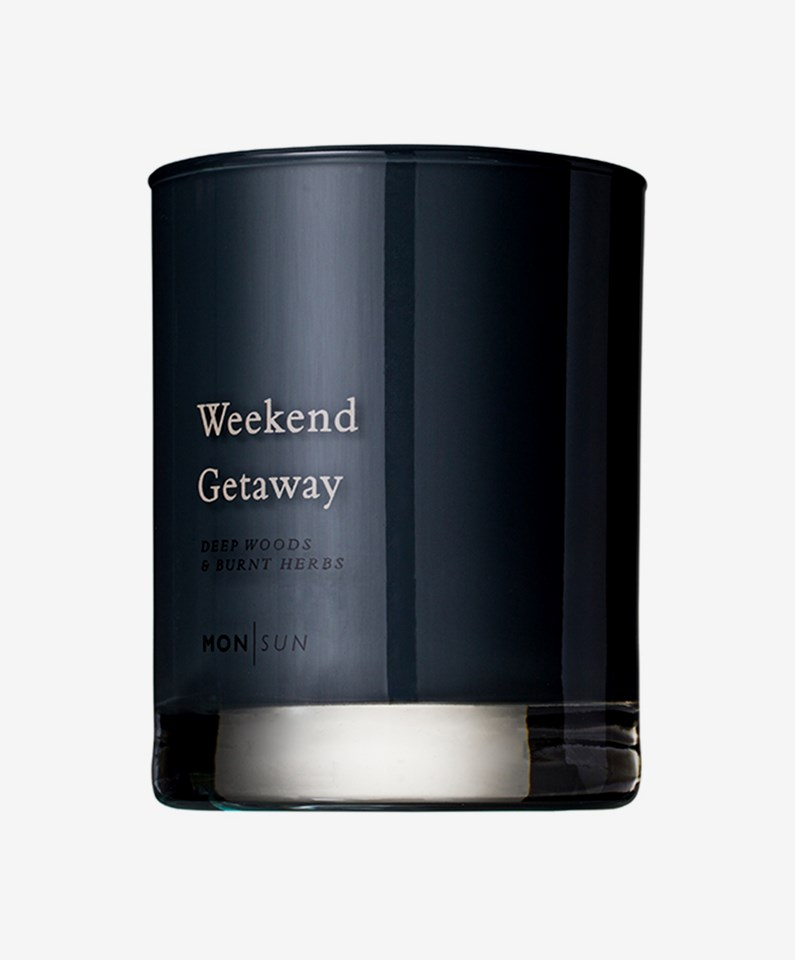 Weekend Getaway Vitamin & Oil Scented Candle 210 g