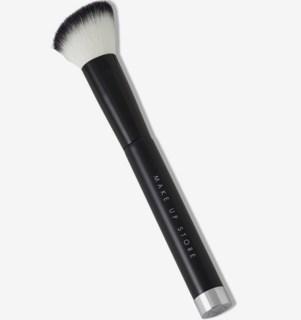 Blush Brush Angle 501