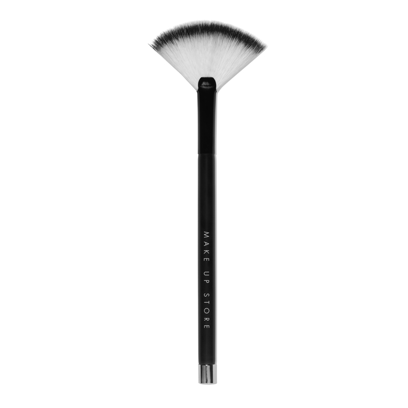 Brush Fan Makeup 812