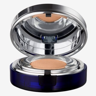 Essence Compact Foundation Honey Beige